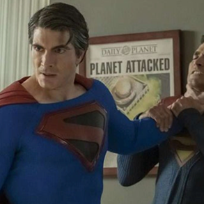 Crisis on Infinite Earths' Best Easter Eggs, References, and Cameos - Superman vs Superman