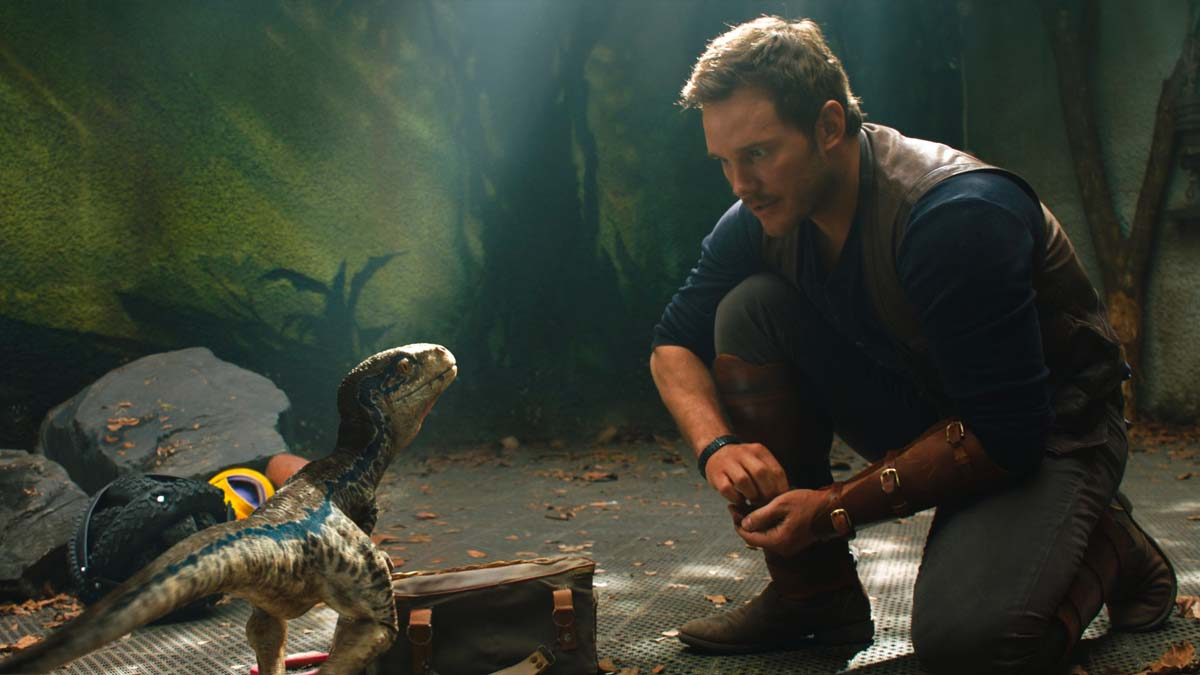 Jurassic World: Fallen Kingdom - Owen and Baby Blue